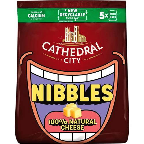 Cathedral City Kids Snack Nibbles Mild Lighter Cheese 5x 16g